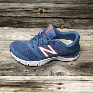 New Balance Women's Wide Ankle-High Running Shoe
